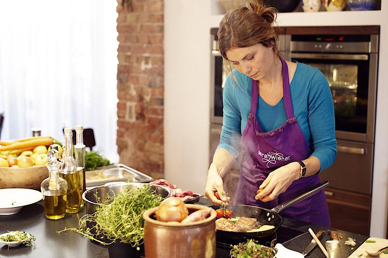 Kochen ohne strom mit sarah wiener gasthaus messnerei - Kochen ohne strom ...